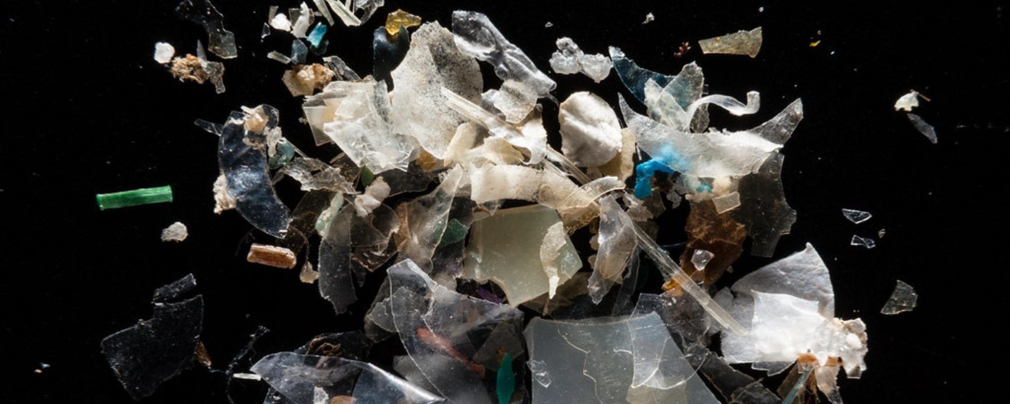 Microplastics vs Bioplastic