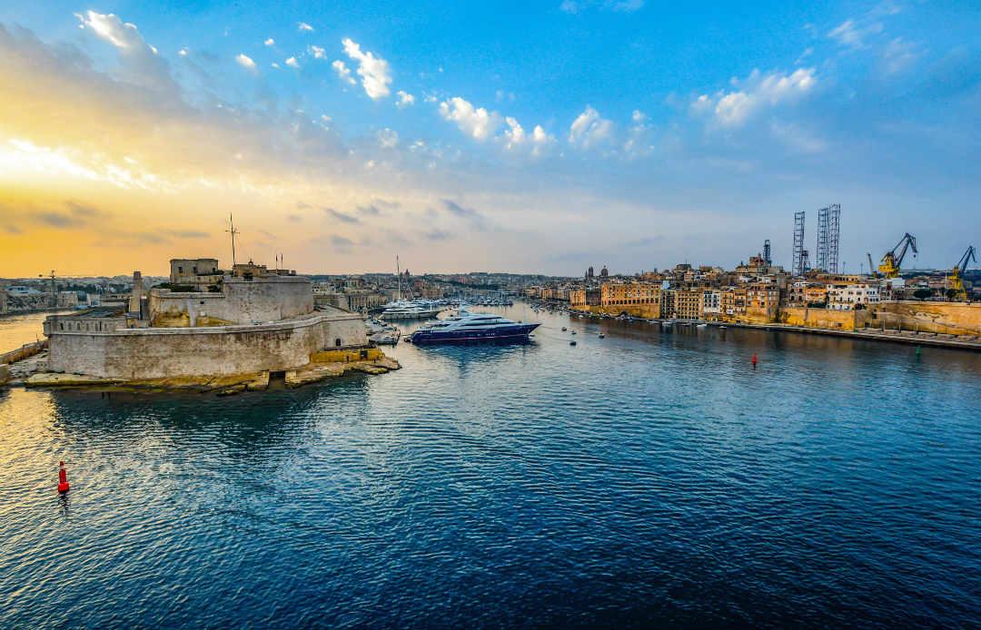 Malta to establish a blockchain university