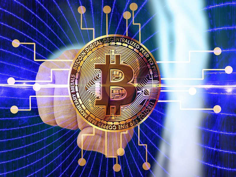 Bitcoin trading going upwards. BTC dominance above 54%.