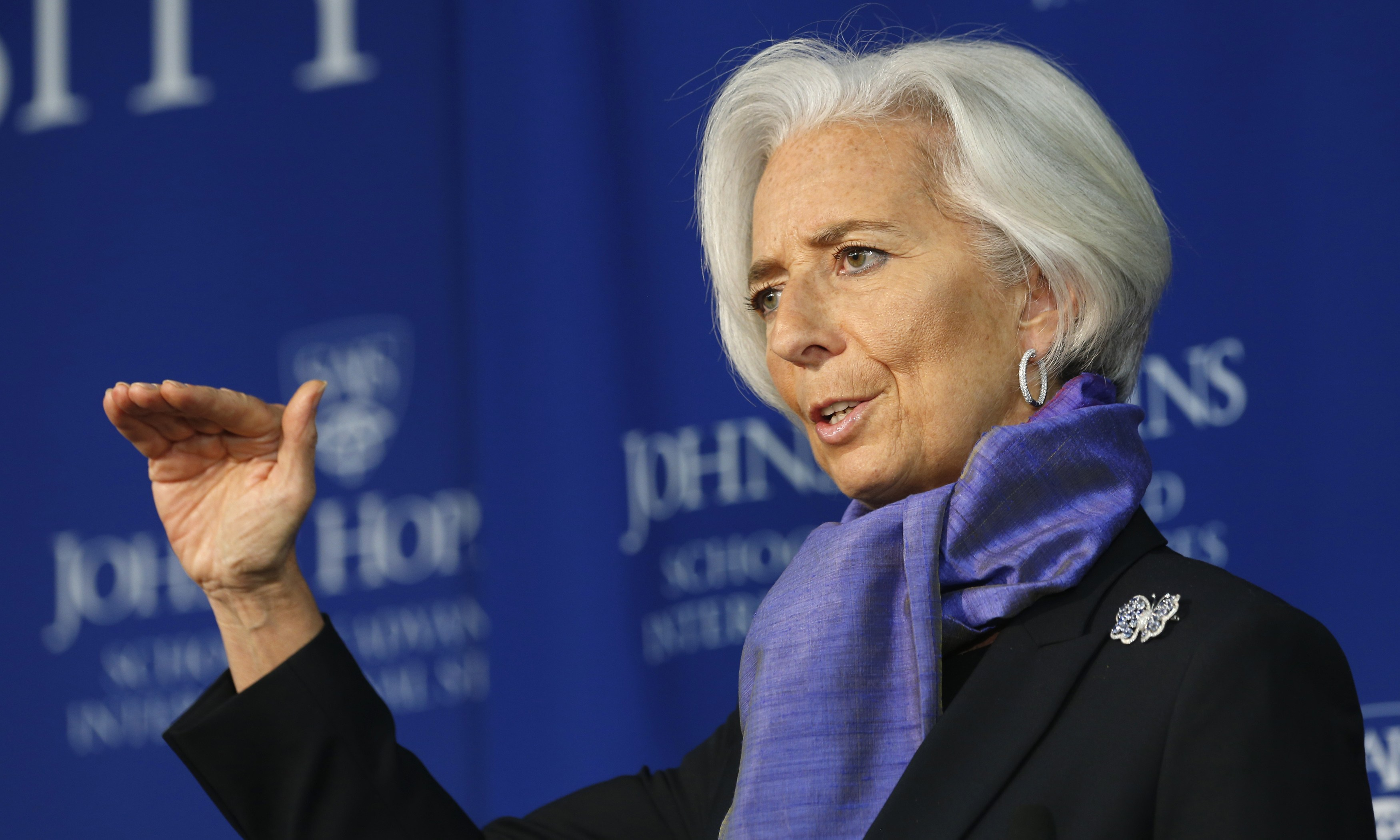 "Christine Lagarde, IMF: ""Central banks should consider issuing digital coins"""