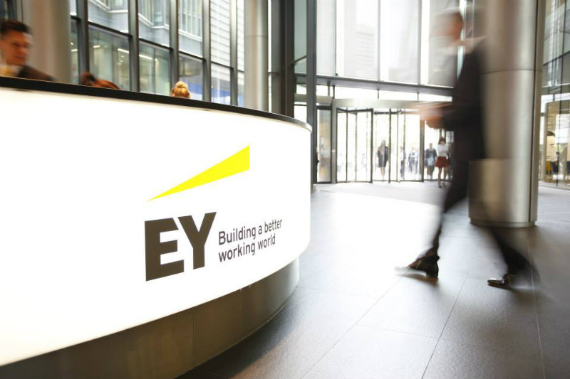 Ernst & Young, a public blockchain for private transactions