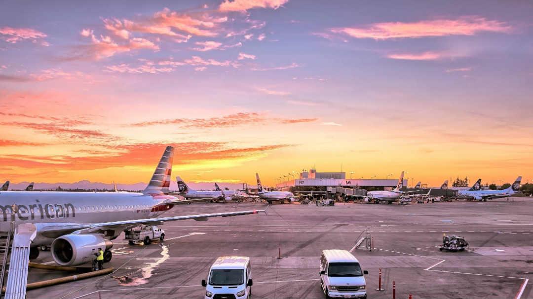 loses bitcoins Miami Airport