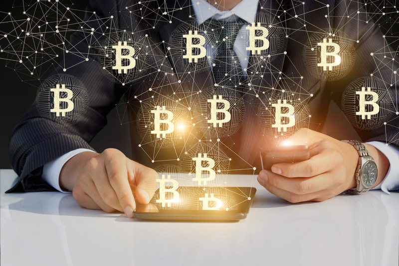 Google Trends, Bitcoin searched 10 times more than Blockchain