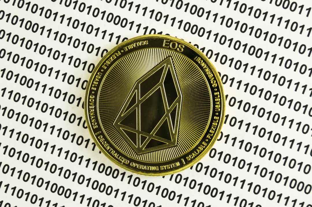 Moonlighting: 700,000 accounts on the EOS blockchain