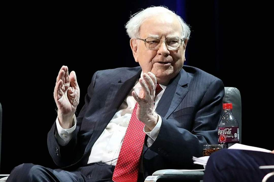 "Warren Buffett: ""Bitcoin has the value of a button"""
