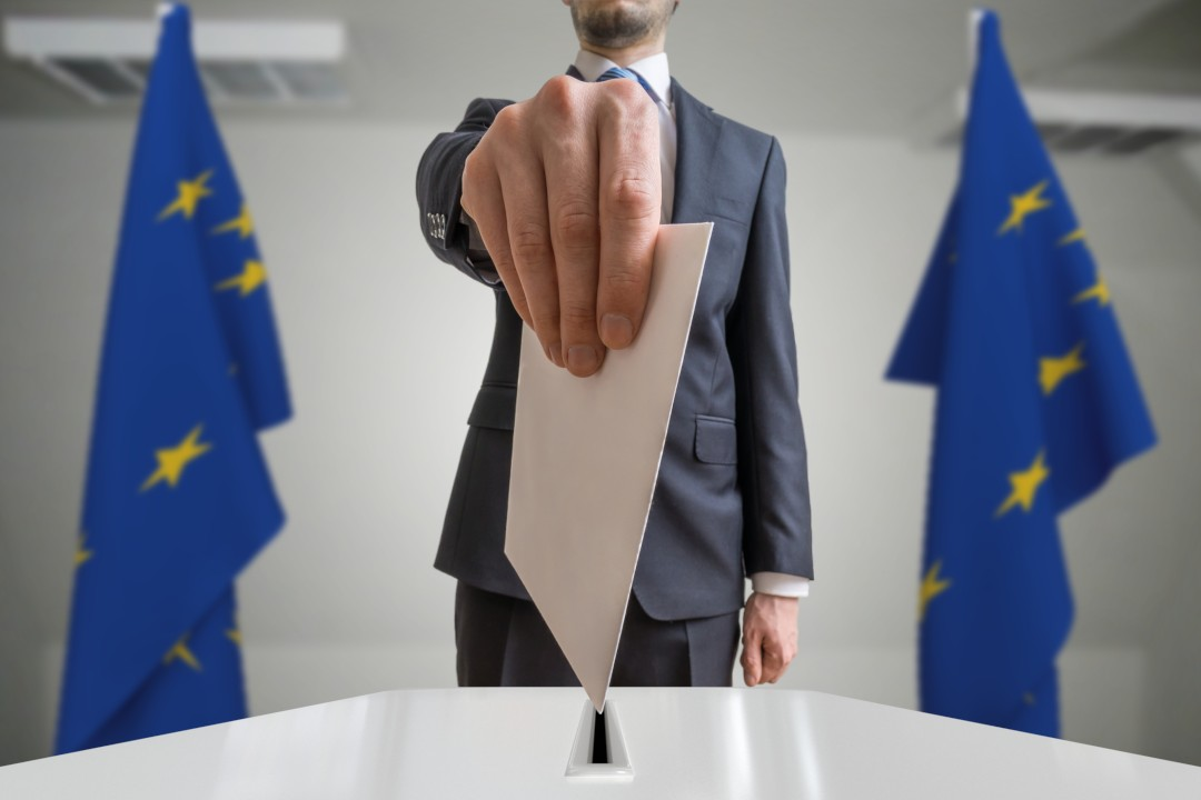 Betting with bitcoin on European elections