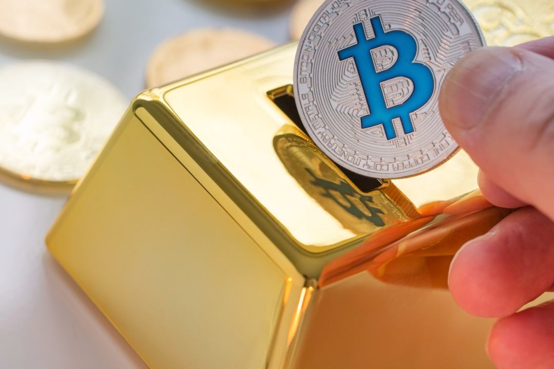 """Peter Schiff: """"bitcoin can't replace gold"""""""
