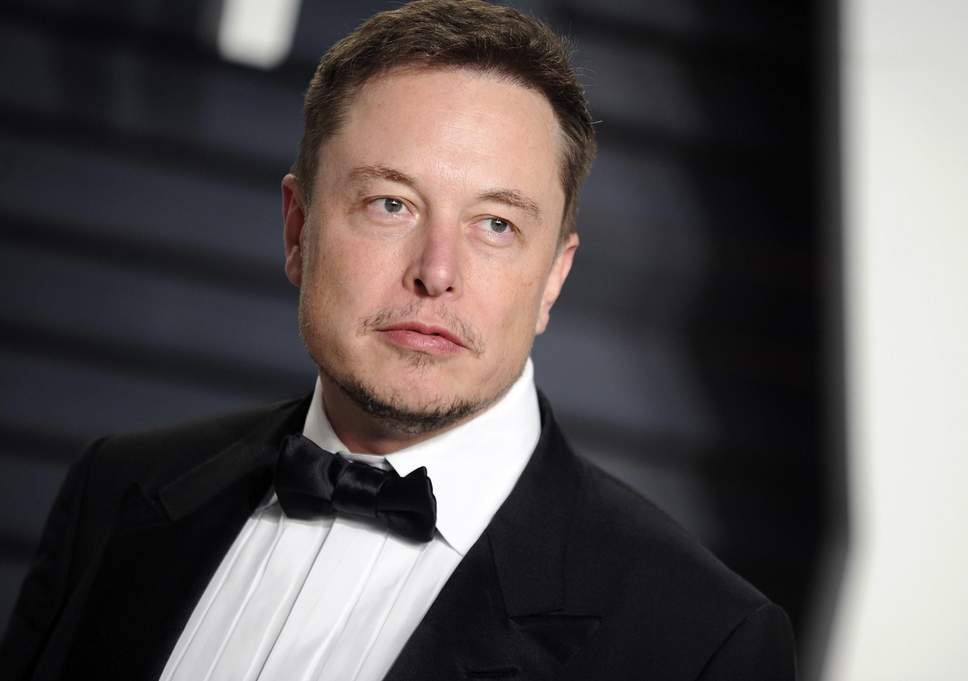 SpaceX: Elon Musk collects 300 mln from a pension fund