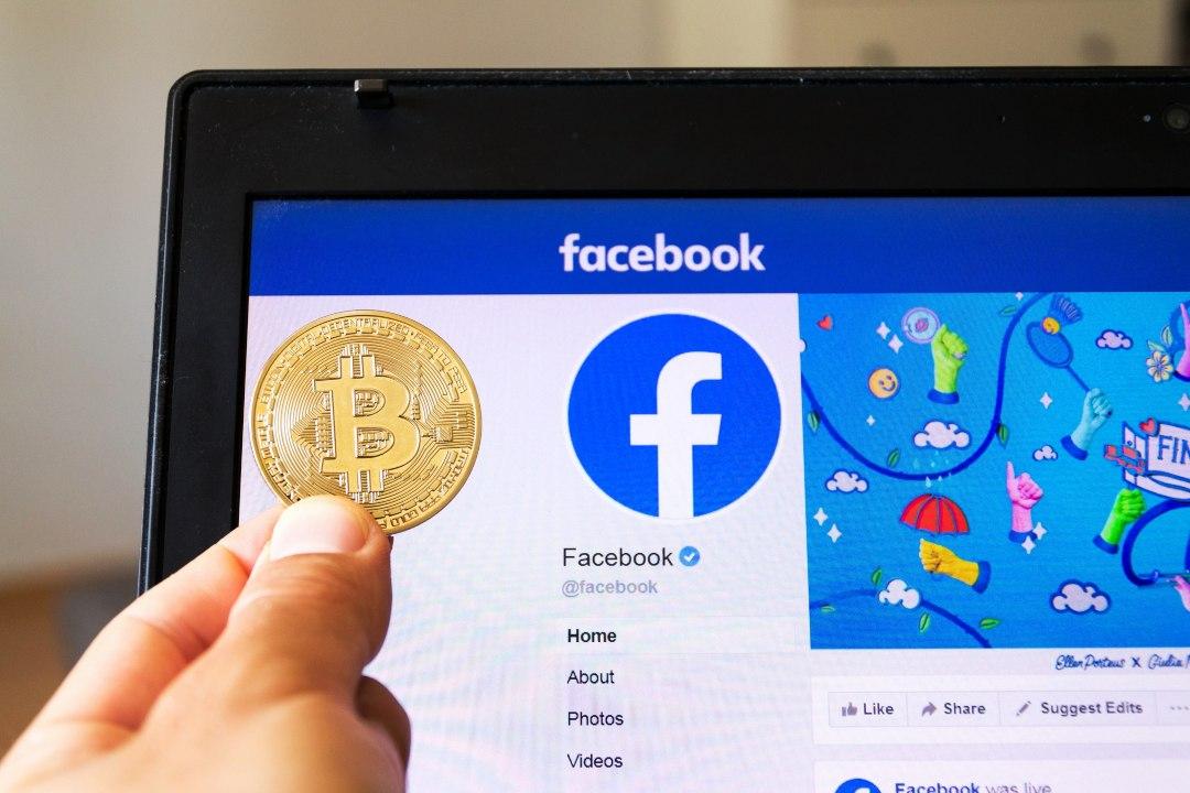 Facebook shares vs Bitcoin price: a comparison