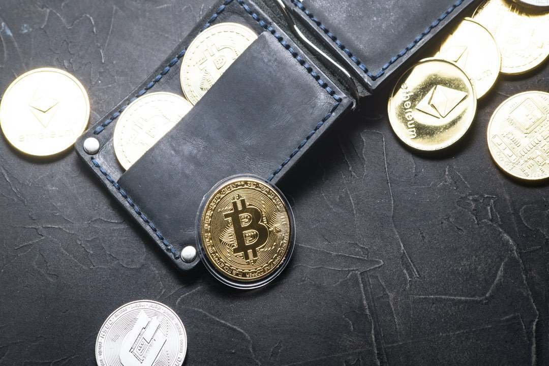 The best crypto wallets on iOS for bitcoin (BTC) and altcoins
