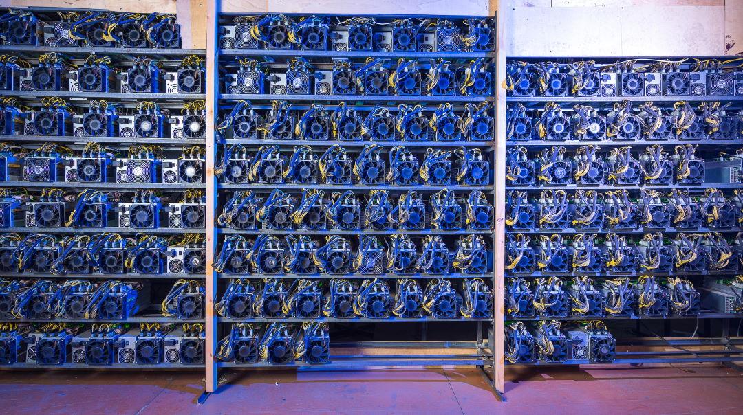Mining bitcoin: 100k ASICs bring hashrate to a new record