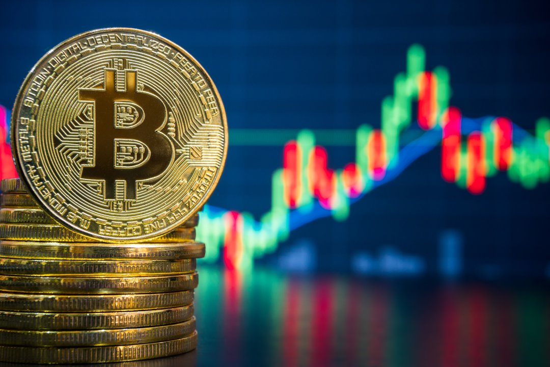 Stock markets closed? Bitcoin price and volumes skyrocketing