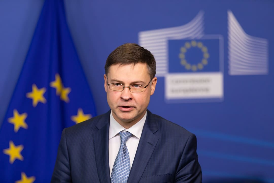 "Dombrovskis: ""working on the regulation of digital currencies"""