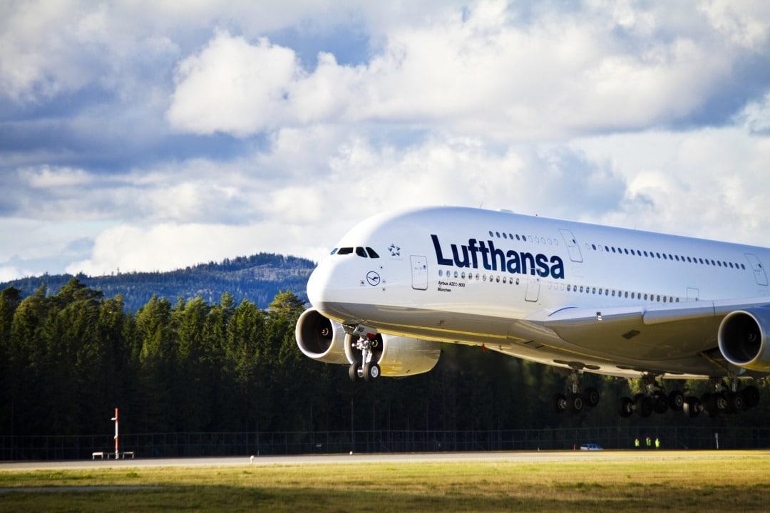 A Lufthansa solution with eSIM and Blockchain