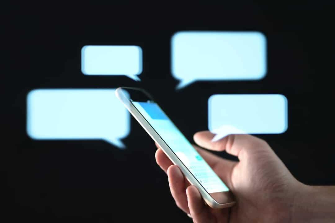 blockchain-based messaging apps