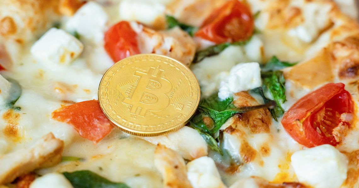Italy, Naples: pizza at Sorbillo's is paid for in bitcoin