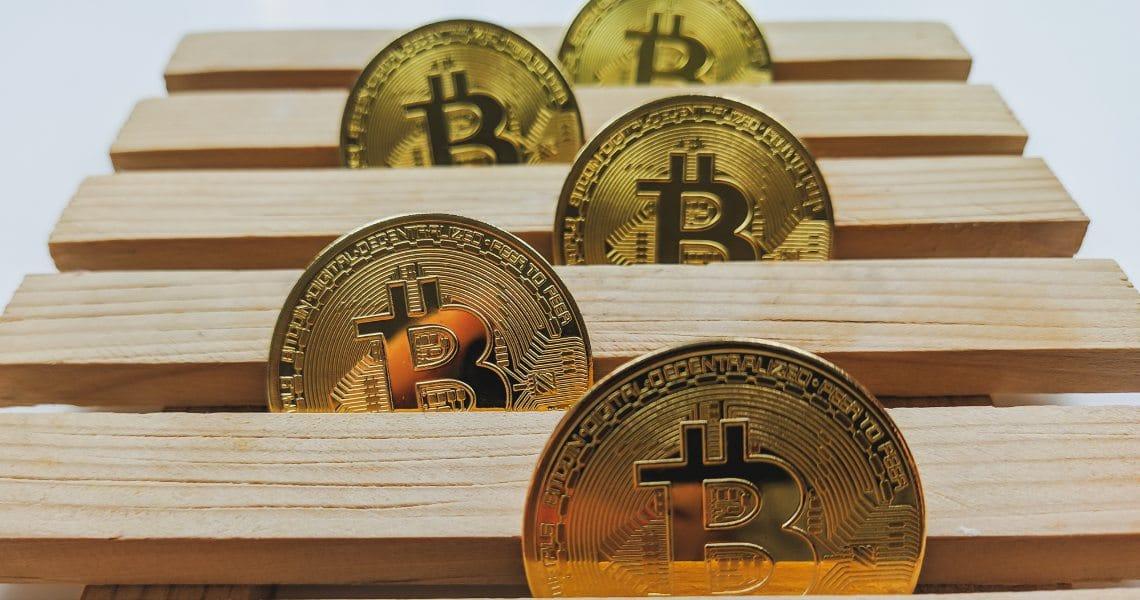 Bitcoin: mining difficulty plummets