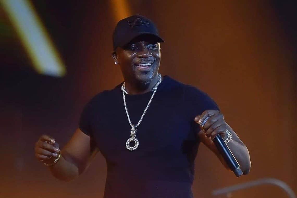 Akon brings healthcare to Rwanda