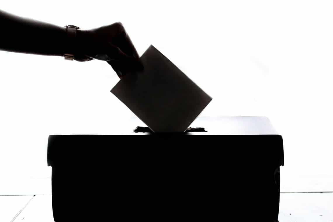 Voting on the blockchain