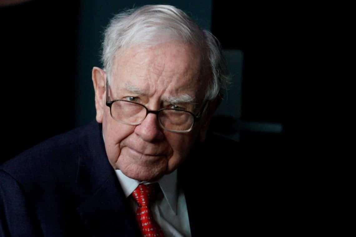 Warren Buffett changes his mind and invests in Barrick Gold