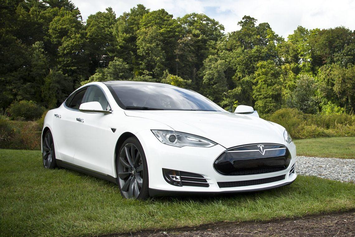 Tesla: malware paid in Bitcoin