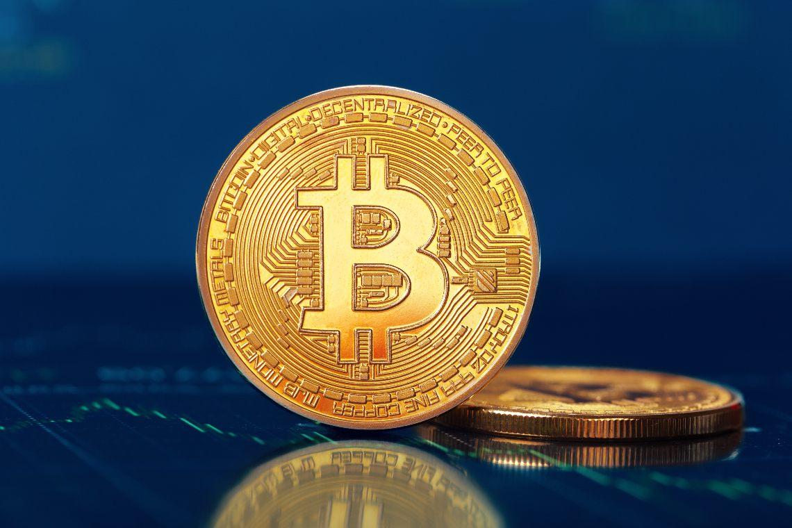Bitcoin dives under 10,000 dollars