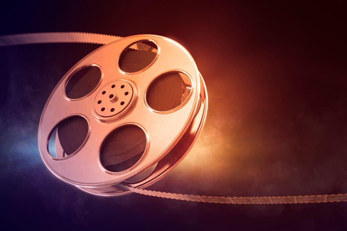 Dear Superstar V, the first film using NFT