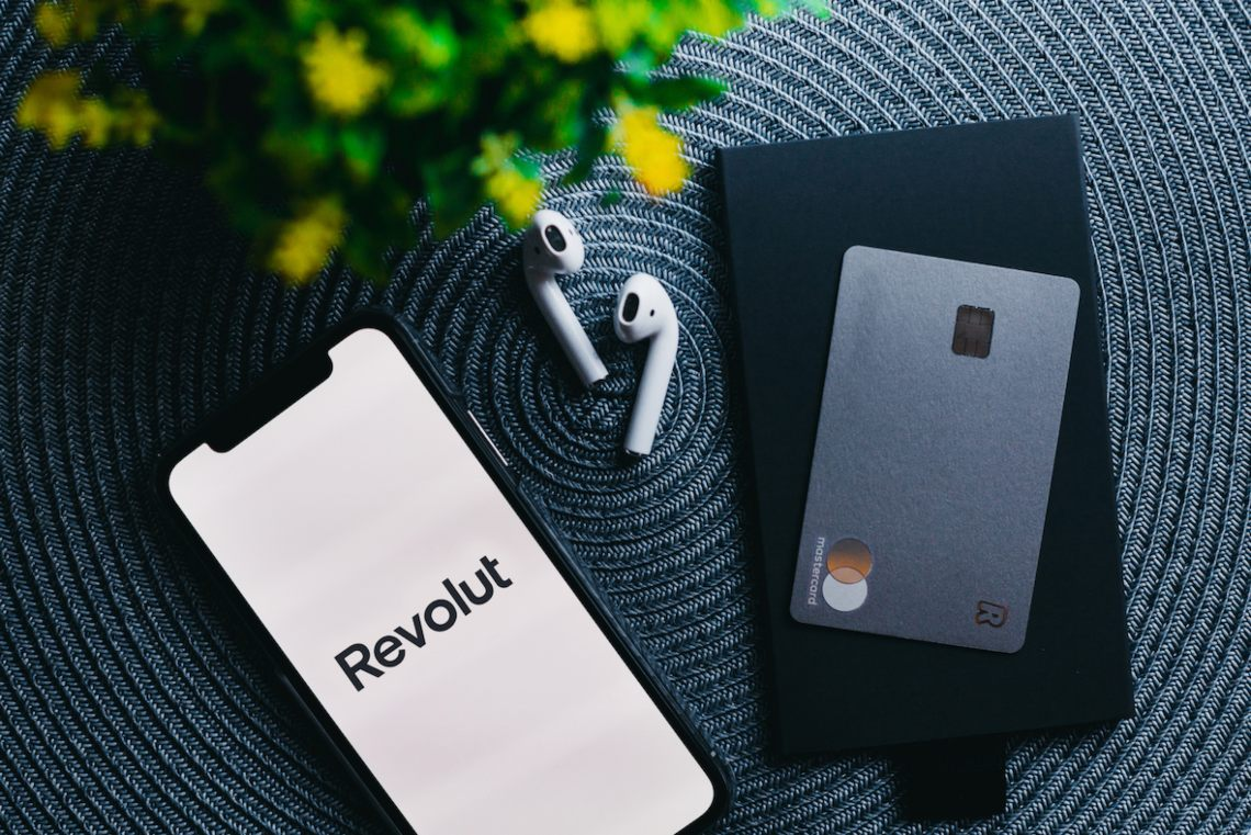 Revolut: spending in Italy decreases but it was high during the last night out