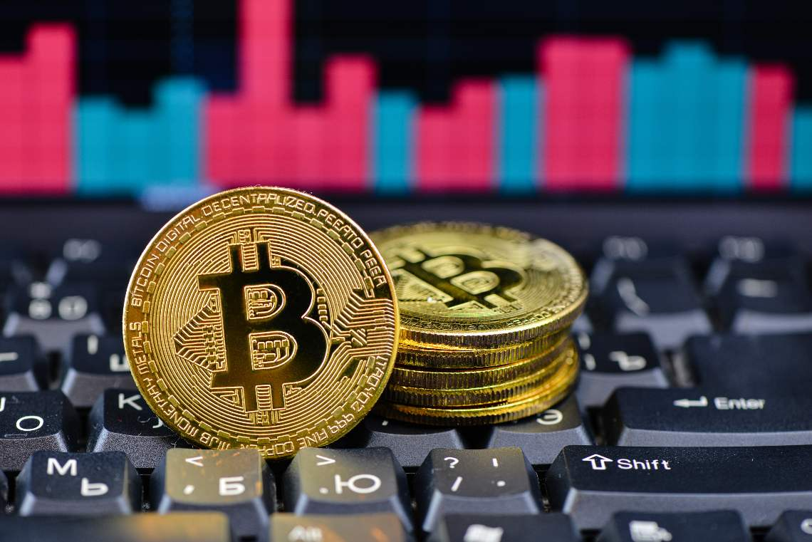Bitcoin: double-digit gains