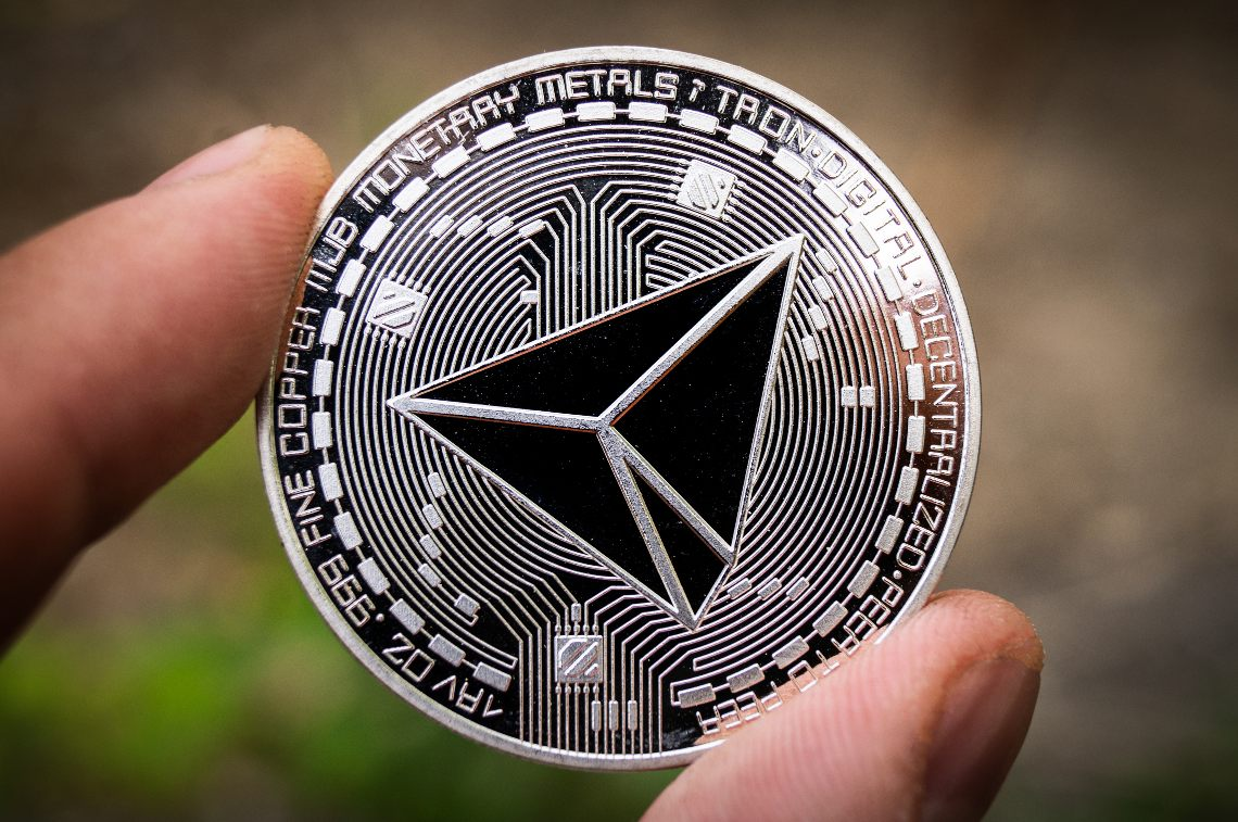 eToro launches the staking service for Cardano (ADA) and TRON (TRX)