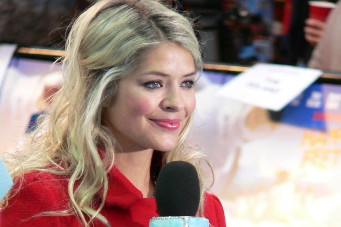 The Bitcoin scam with Holly Willoughby
