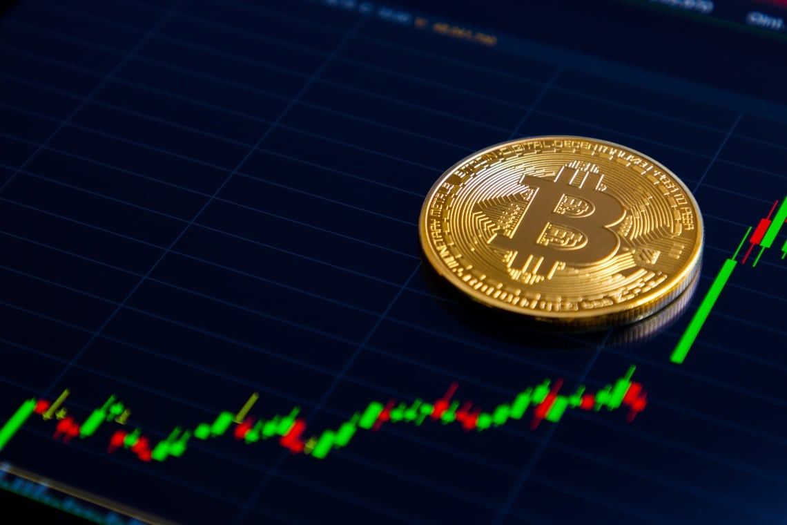 Bitcoin, new all-time high above $28,500