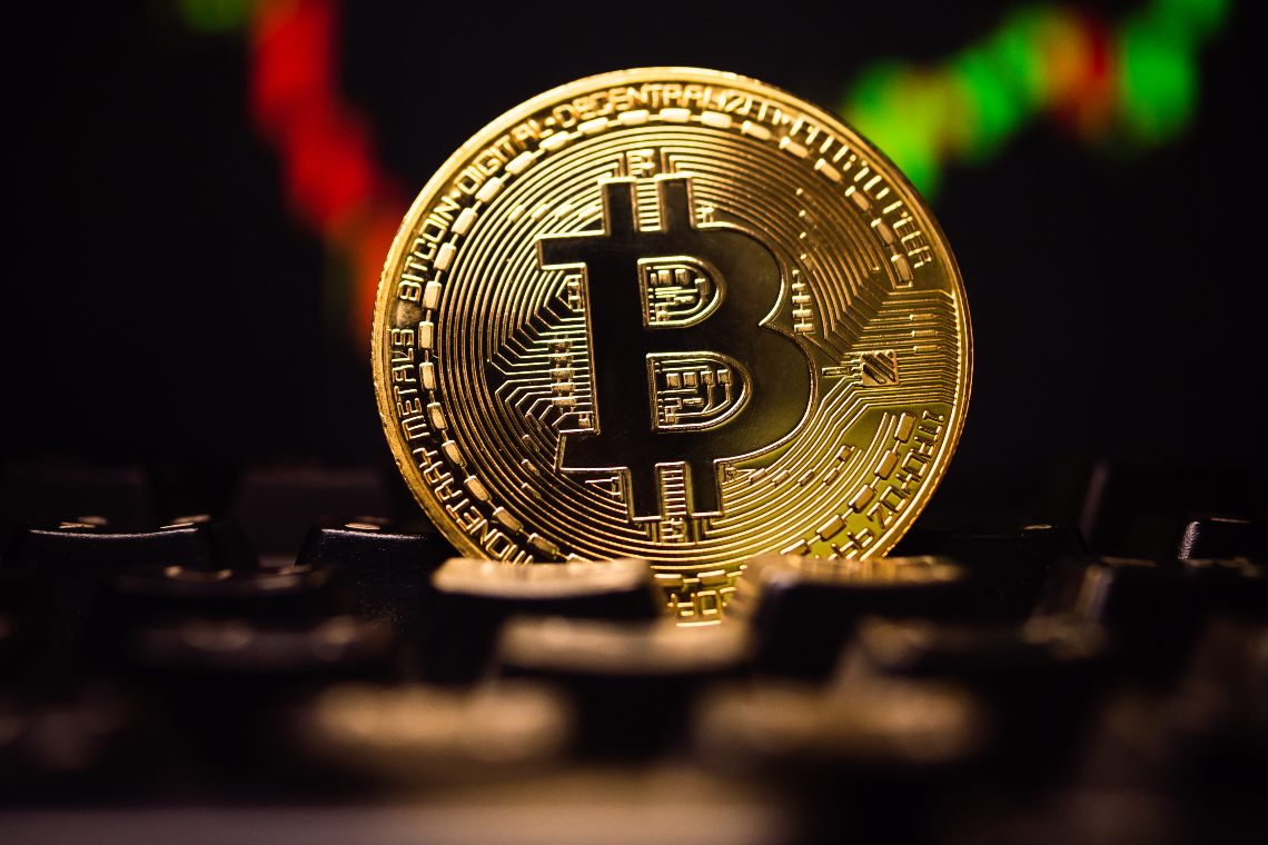 Weakness for Bitcoin, cryptocurrencies in red