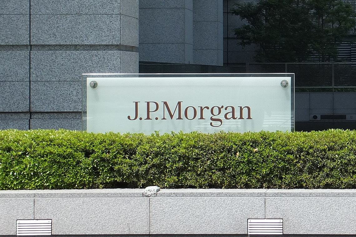 JP Morgan suspends political donations