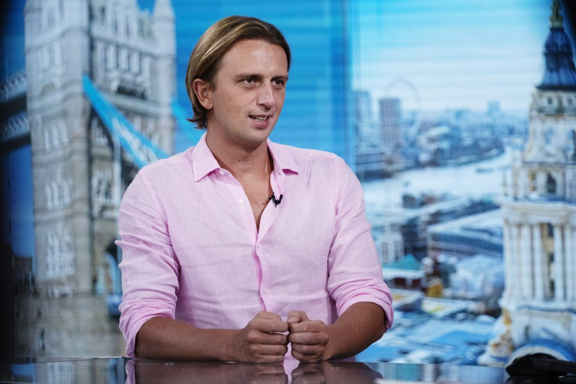 Revolut applies for UK banking licence