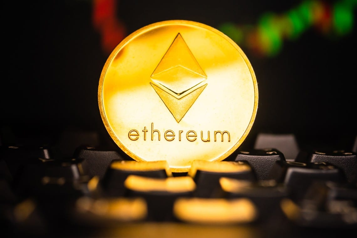 Ethereum: price rises towards $1400