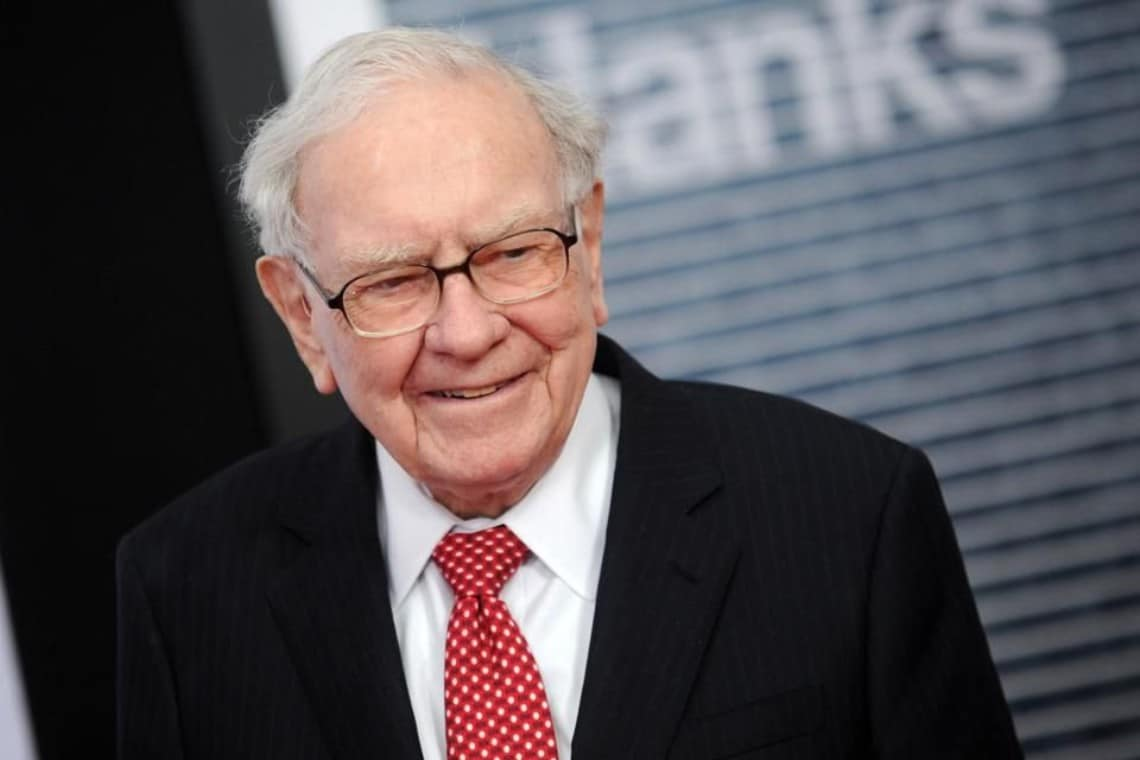 Berkshire Hathaway shares, waiting for Warren Buffett