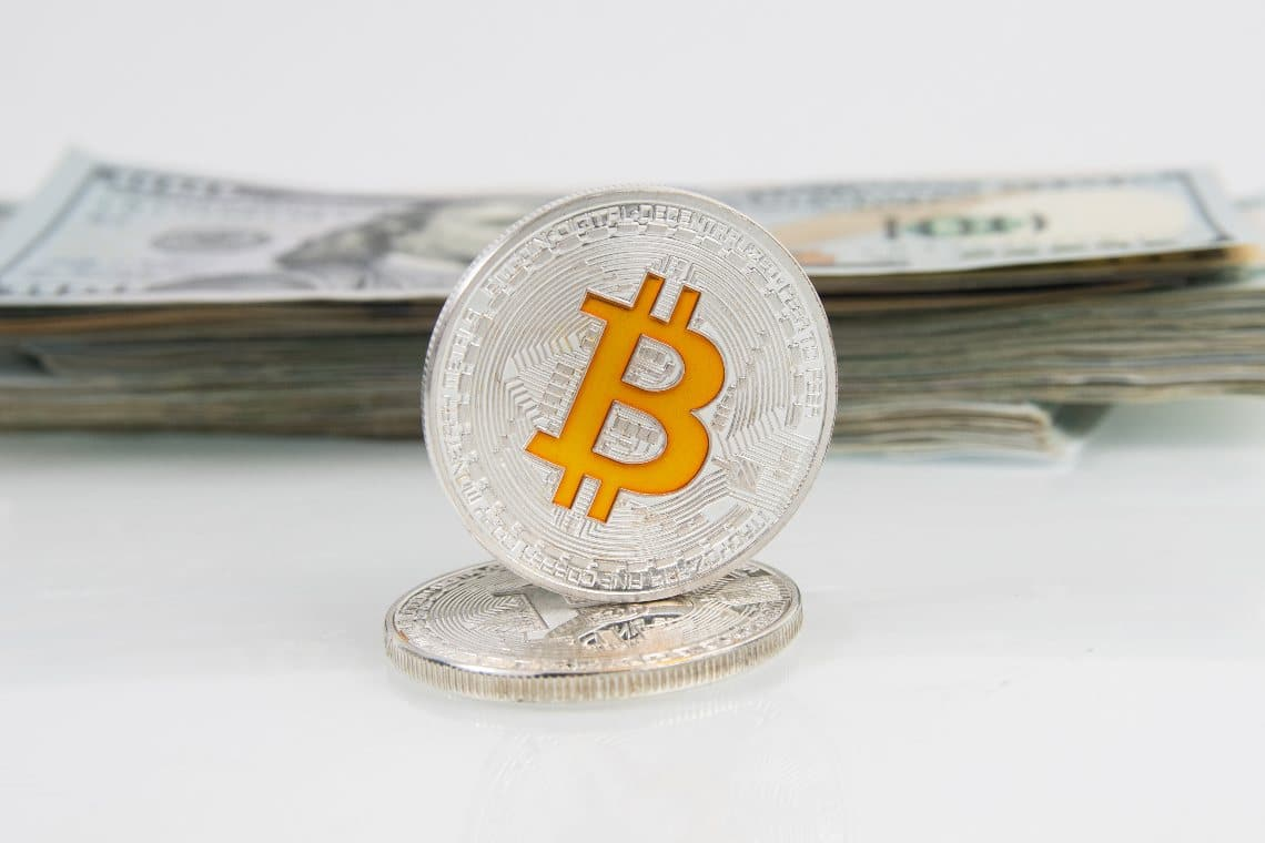 Bitcoin pullback: -10% from the highs despite Tesla