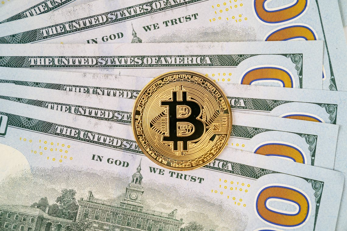 Bloomberg: bitcoin could reach $400,000