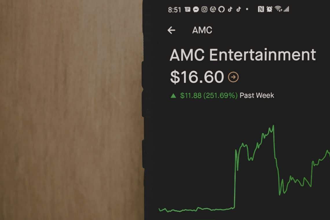AMC, price rises again alongside Gamestop