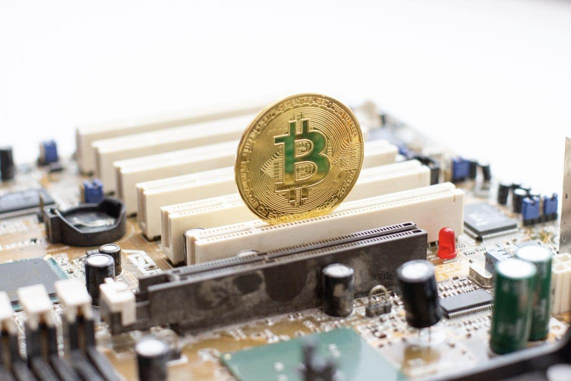 Chinese miners hold on to bitcoin: no panic-sell