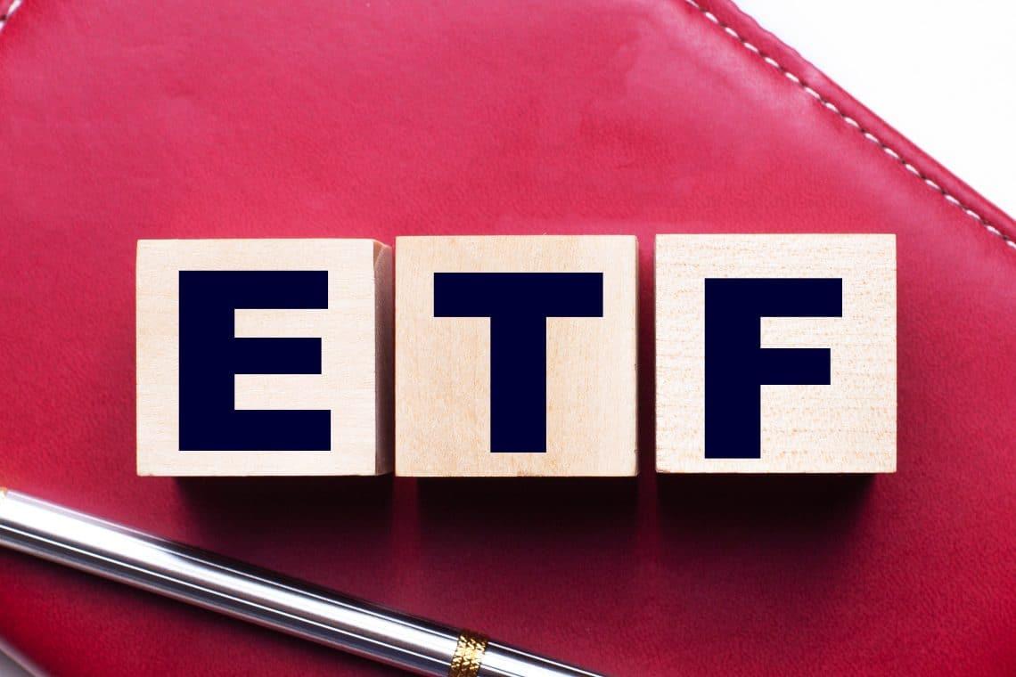 SEC decision on bitcoin ETFs postponed