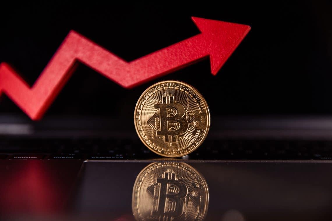 bitcoin ir juoda rinka bonus bitcoin nemokamas bitcoin maišytuvas