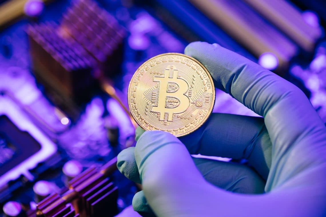 The cleaning company that mines bitcoin and launders money
