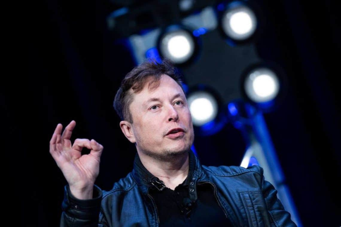 Elon Musk and the story with Apple: