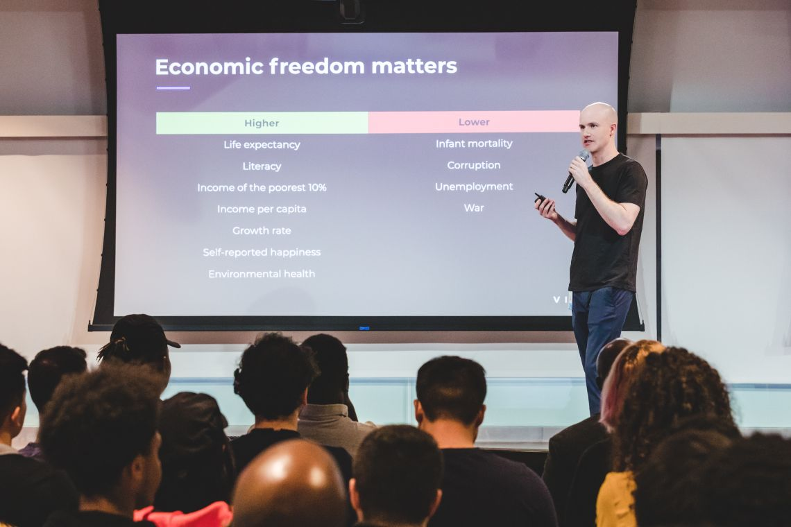 Brian Armstrong: stablecoins pegged to fiat aren't stable