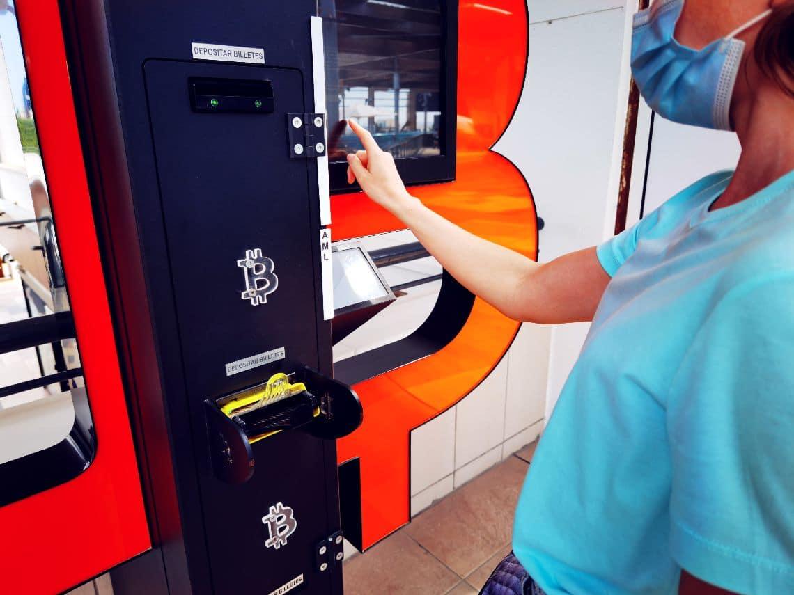 Long queues at bitcoin ATMs in El Salvador