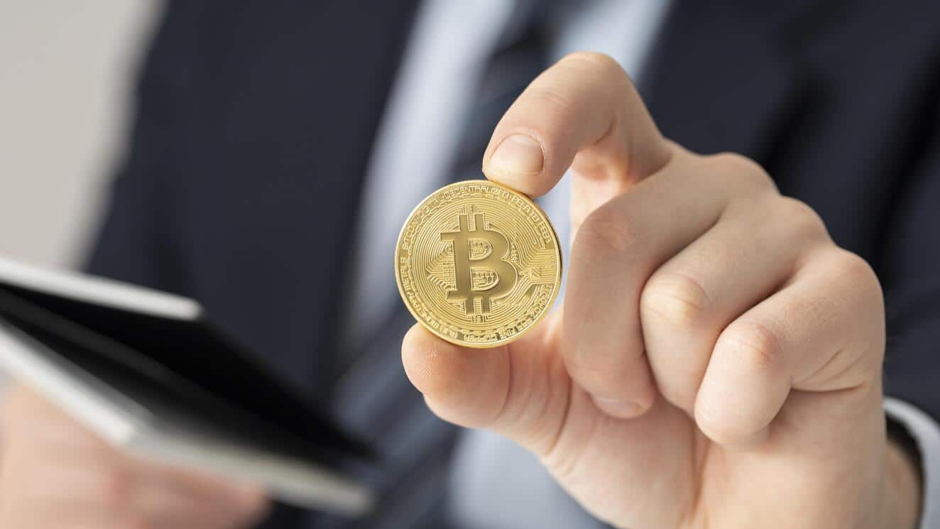 Mike Novogratz, Rich Dad Poor Dad and differing views on the price of Bitcoin