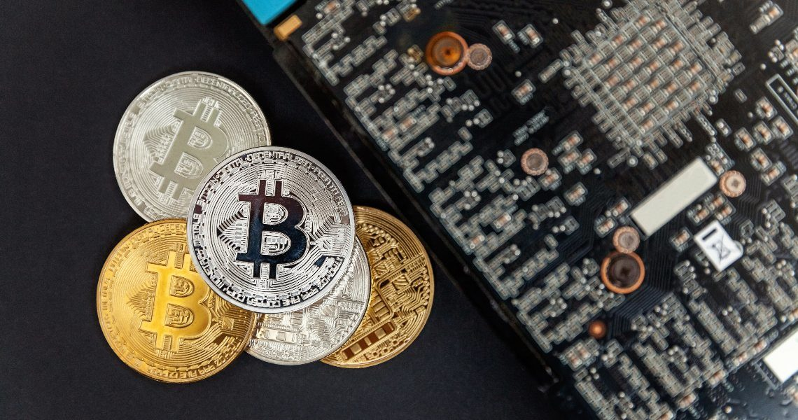 Bitcoin price growth makes old Antminers profitable