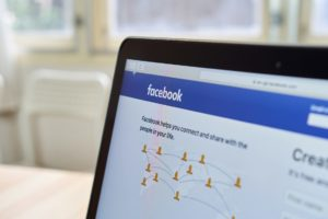 Facebook, newspapers and the advertising war
